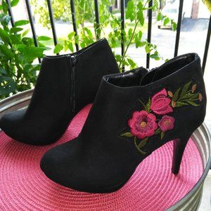 Impo Black Heeled Boots with Embroidery
